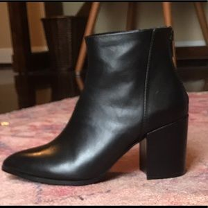 6deebc4ff76 Steve Madden Shoes - Steve Madden Jillian black leather boot